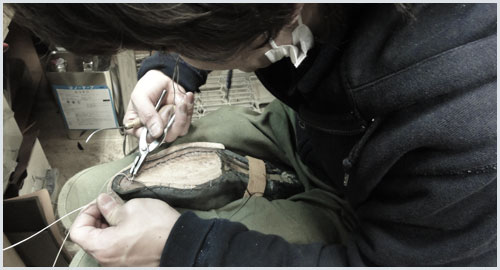 修理は靴職人が手掛けています
