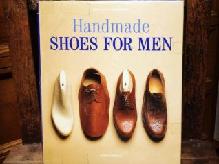 「HAND MADE SHOES FOR MEN」