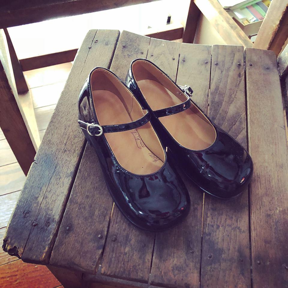 娘の小学校入学時たった一度しか履かなかった私の作った靴